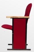 Кресло для зала заседания с деревянными подлокотниками